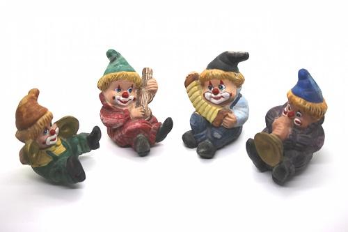 ピエロの人形たち
